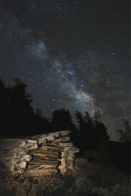 Метеор Лирид и Млечный путь
